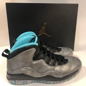NIKE Jordan Retro 10 Metallic Gold Lady Liberty